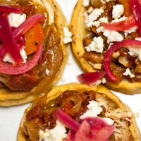 Sopes-with-Mexican-Style-Beer-Stewed-Chicken-3