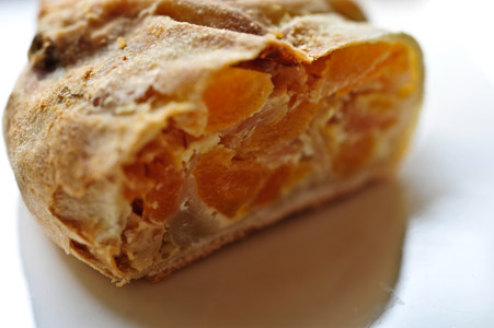 dried-apricot-chamomile-and-helles-strudel-2-300